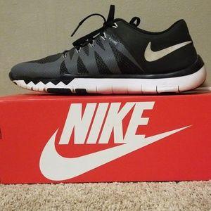 Nike Free Trainer's 5.0 V6 719902010